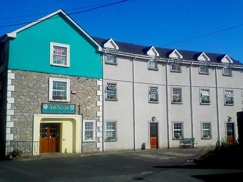 An Stór Midleton Townhouse